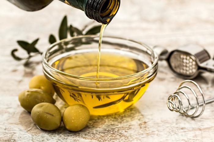 es bíblico ungir con aceite