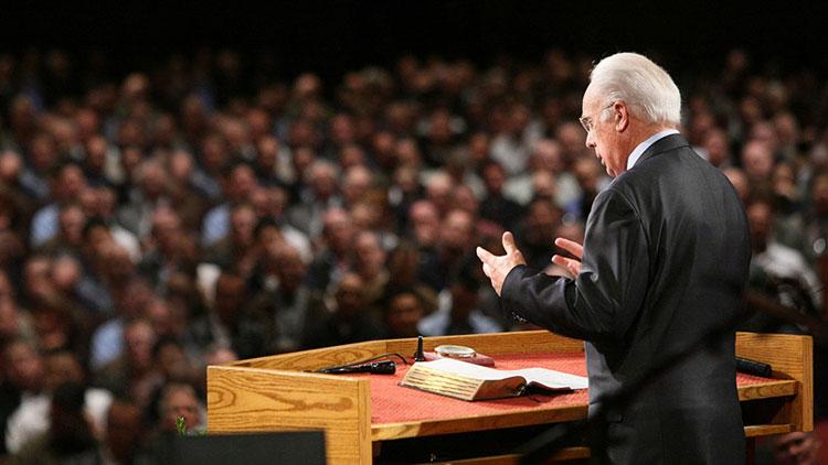 por que la iglesia no debe tener un solo pastor
