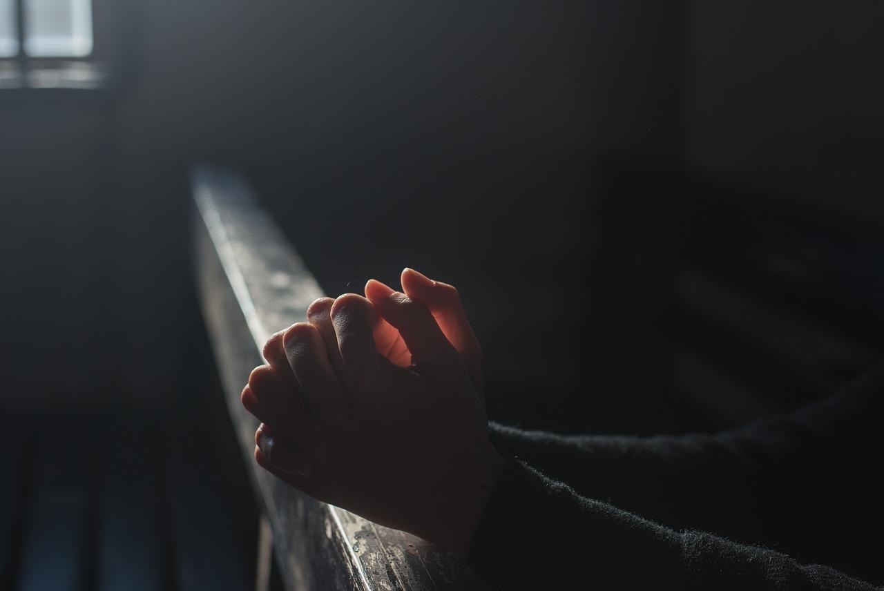 como no debemos orar