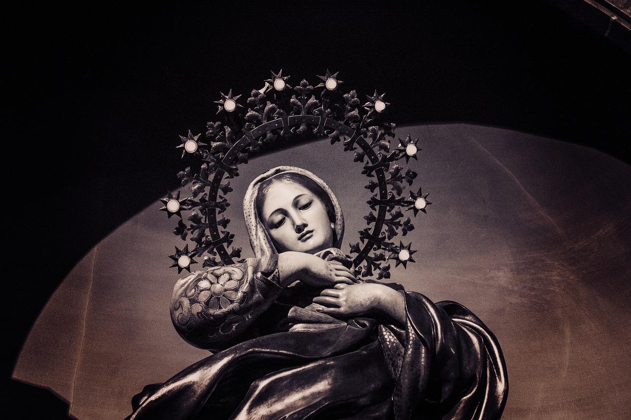 Es María mediadora