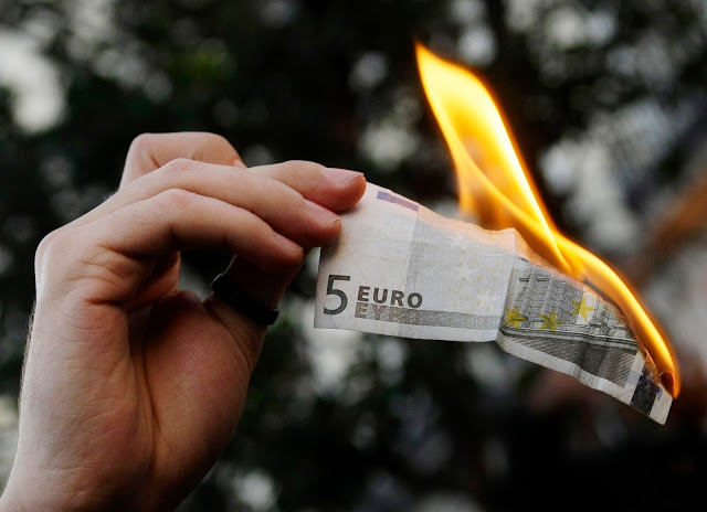 desaparicion del dinero en efectivo