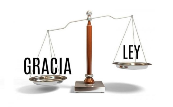 cual es la diferencia entre la ley y la gracia