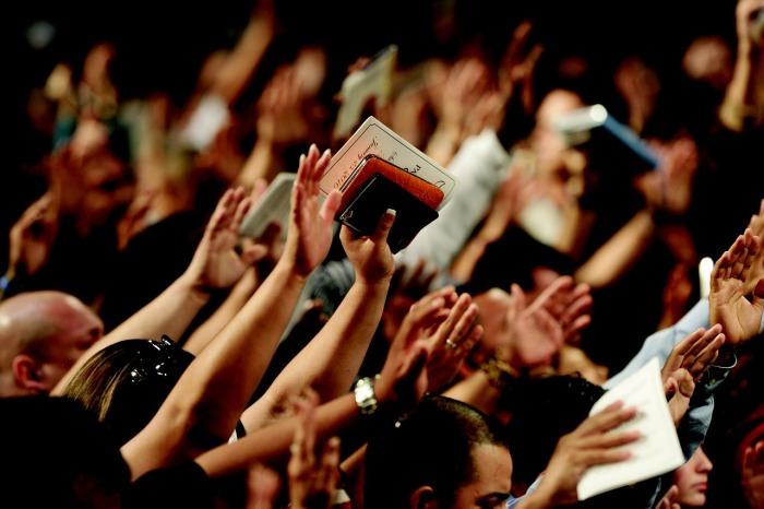 es biblico pasar al altar a recibir a Cristo