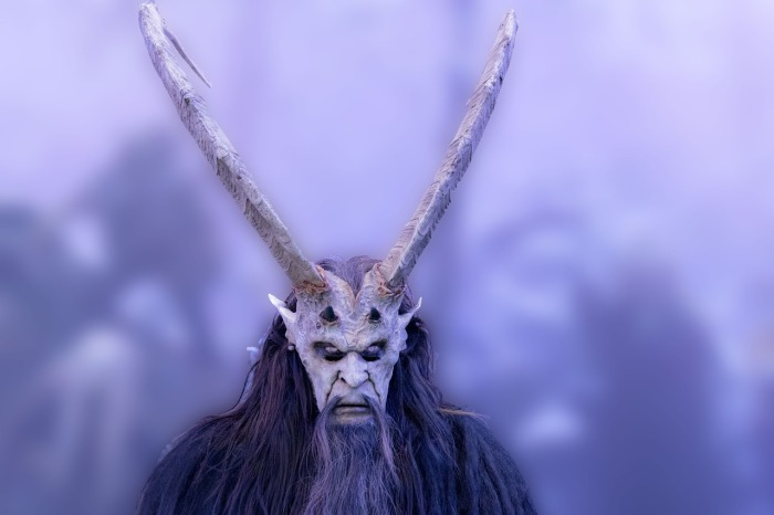 quien es la segunda bestia falso profeta
