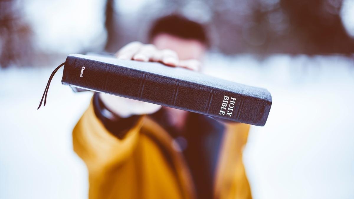 10 RAZONES PARA PREDICAR LA BIBLIA