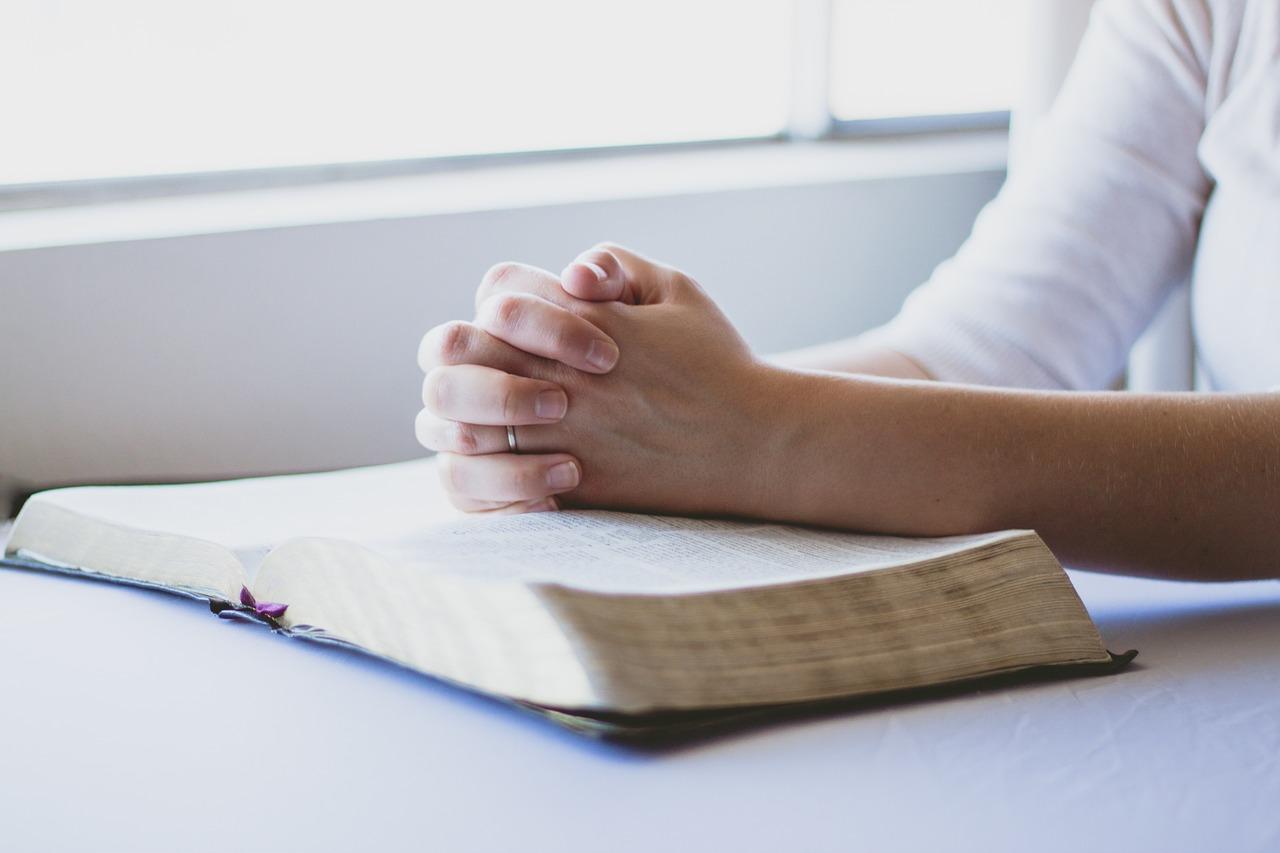 por que debemos orar