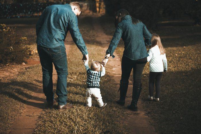 EL PATRIARCADO CUIDA LA FAMILIA